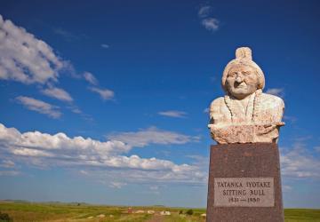 Sitting Bull & Sakakawea Monuments