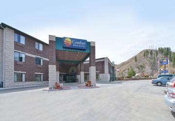 Deadwood Comfort Inn & Suites and Deadwood Mini-Golf