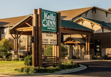 Kelly Inn & Suites Mitchell