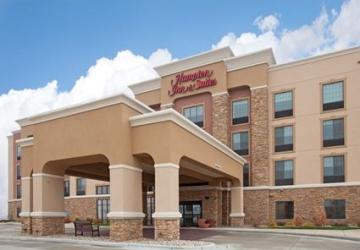 Hampton Inn & Suites Watertown