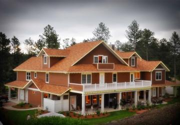 Summer Creek Inn & Spa