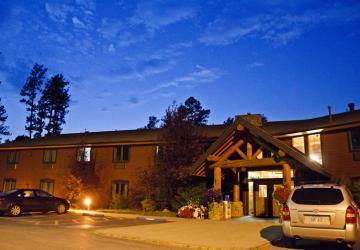 Mount Rushmore Lodge at Palmer Gulch
